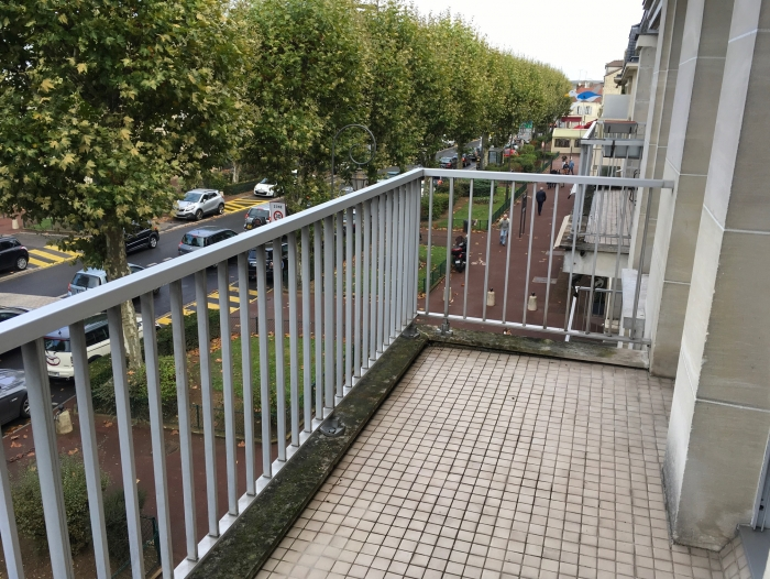 Location Appartement 2 pièces Chantilly (60500) - CENTRE VILLE