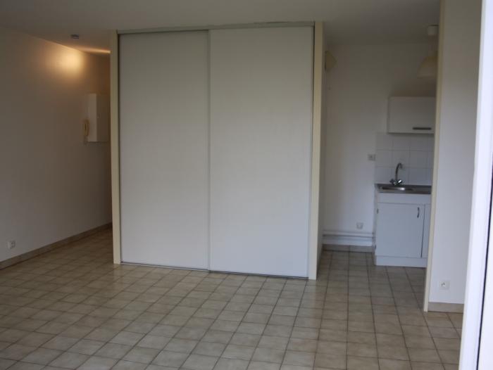 Location Studio  pièces Crépy-en-Valois (60800) - Centre ville