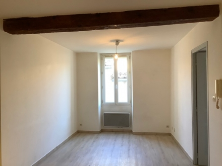 Location Appartement 3 pièces Châteauneuf-de-Gadagne (84470)